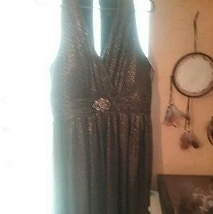 Jessica Howard  shimmer dress